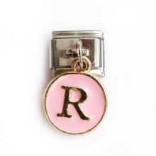 Звено с розовой подвеской с буквой R